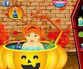 Play Halloween Baby Bathing