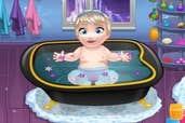 Play Baby Elsa Bathing