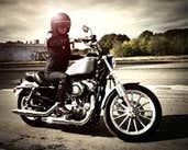 Play Biker girl jigsaw puzzle