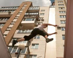 Play Easy Parkour Game
