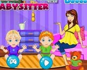 Play Frozen Sisters Babysitter